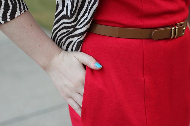 Bild von Hand und Kleid