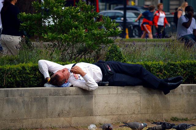 Schlafender Büromitarbeiter